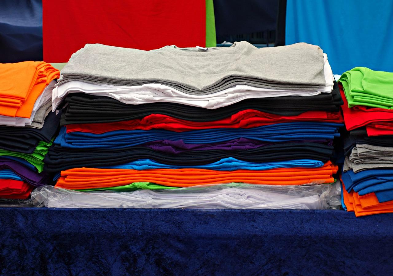Jak wykorzystać koszulki firmowe w promocji swojej firmy?